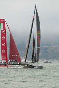 Oracle (Coutts) is first around the top mark - winning the inside position at the mark rounding