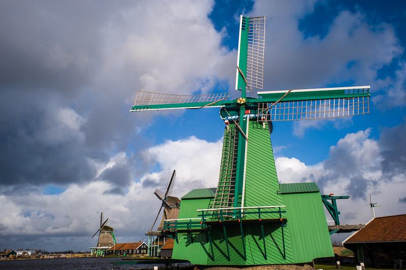 IMAGE: https://photos.smugmug.com/Photography/Amsterdam-and-Bruges/i-6nQcT27/0/bfa18b09/L/L1002993-L.jpg