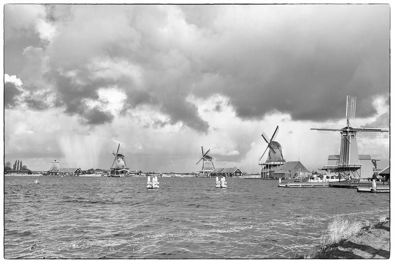 IMAGE: https://photos.smugmug.com/Photography/Amsterdam-and-Bruges/i-Nw2W5p9/0/3f5ee1d4/L/L1002988-Edit-L.jpg