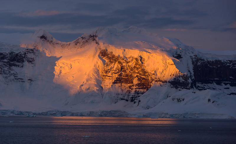 Christmas Eve cruise in the Gerlache Strait