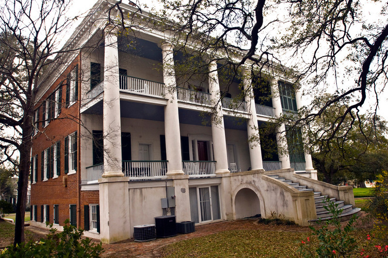 North America, USA, Mississippi, Natchez, Choctaw, combines the Federal and Greek  Revival architectural styles and is operated as a bed and breakfast and retreate center. ca. 1836