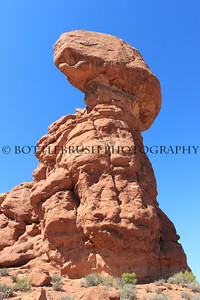 Balanced Rock in Arches National Park, Utah.
