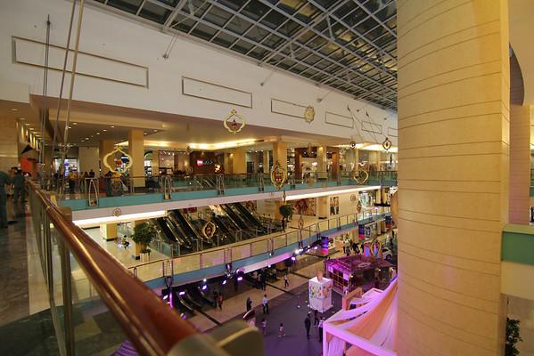 IMG_7180_Abu Dhabi Mall_010