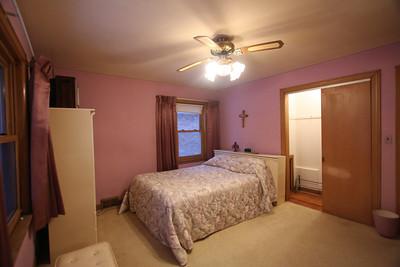 front bedroom  (10)
