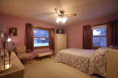 front bedroom  (8)