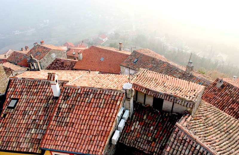 <h4>Roof Tops</h4>Motovun, Croatia