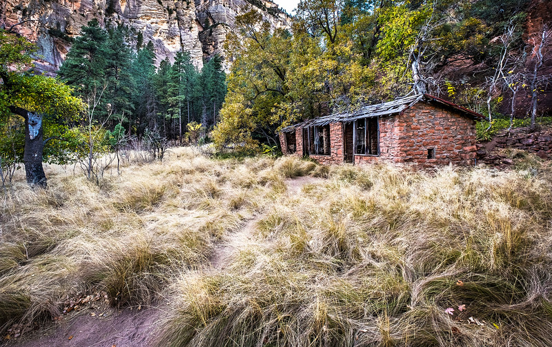 West Oak Creek Canyon Trail