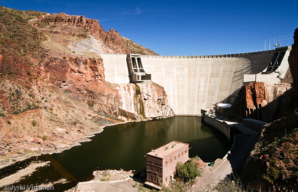 Roosevelt Dam - Apache Trail, AZ, USA