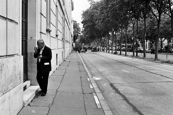 Cigarette, Paris