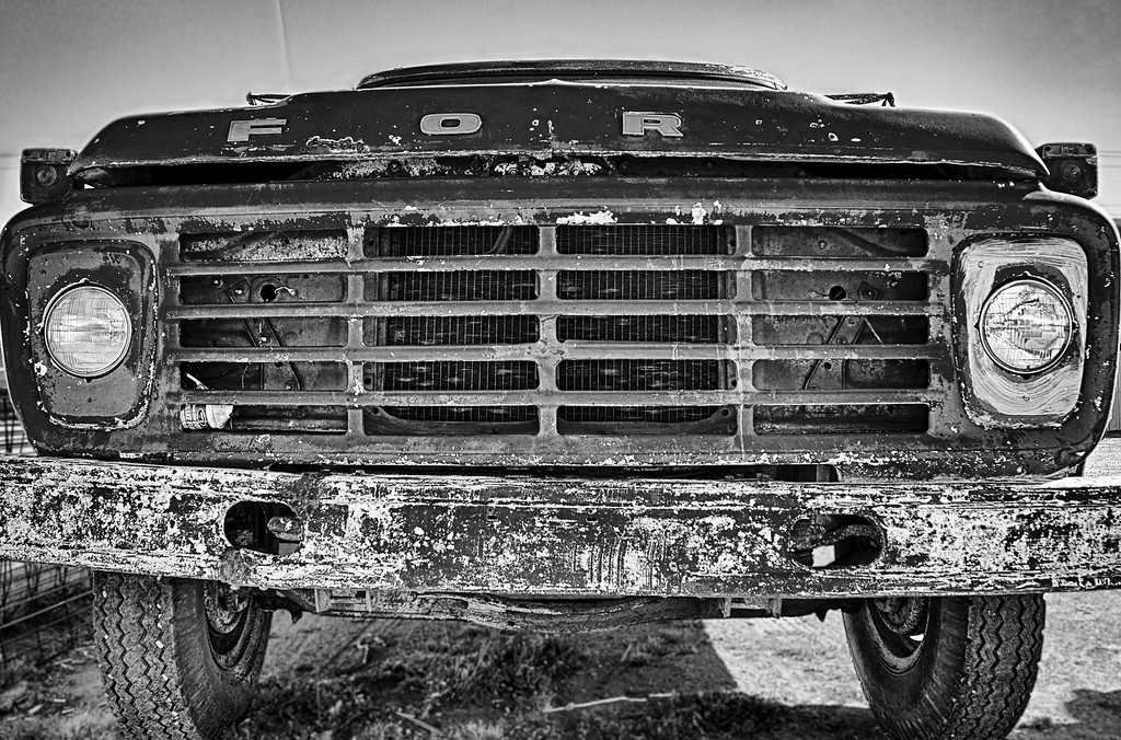 Look Into My Eyes<br /> An old Ford F-600 truck in El Reno, OK.