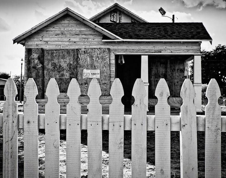 An abandoned house on 5th Street.