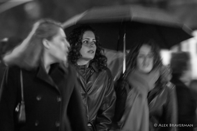 three graces in the rain