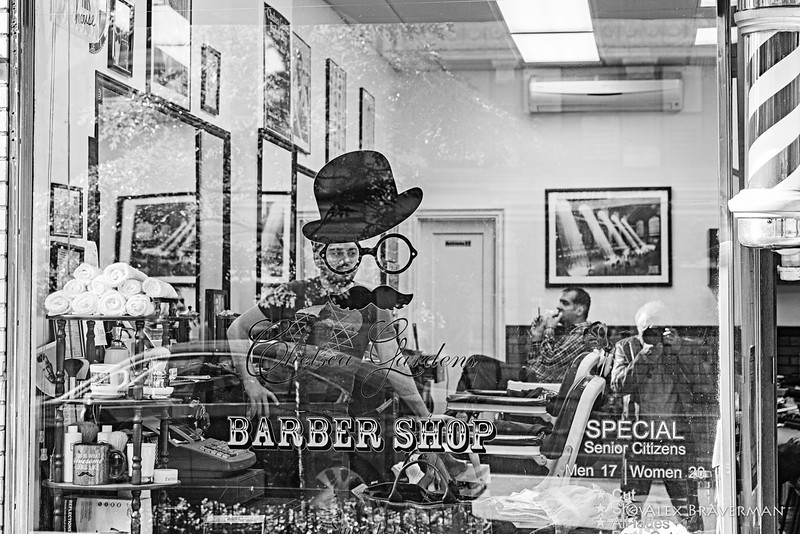 the barber in the eye and a selfie