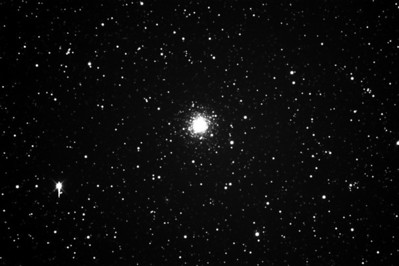 M75 Test image from Itelescope OBS. Single sub 15mins lum unguided on an STXL6303E at 2400mm FL