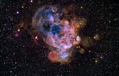 NGC2018 Nebula and  N206  supernova remnant in Narrowband