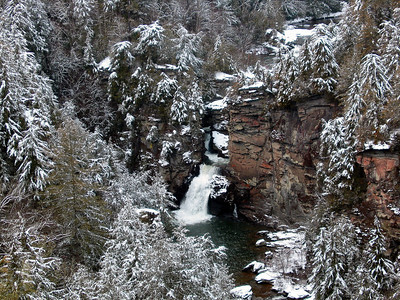 Linville falls in winter