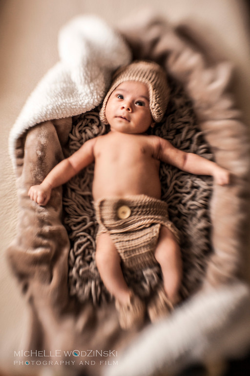 CRUZ<br /> <br /> 1-Month Portraits