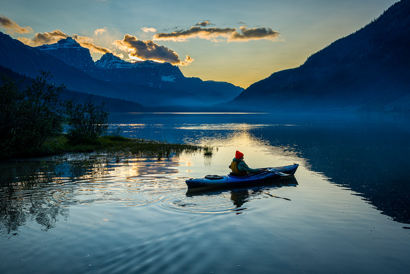 Kayaker   Waterfowl Lakes