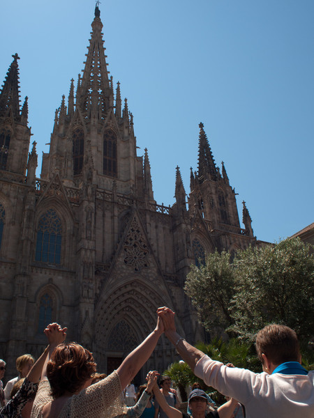 Some spanish dance being performed on Sunday morning outside the Cathedral