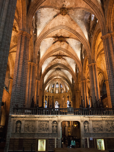 This may be Barcelona Cathedral