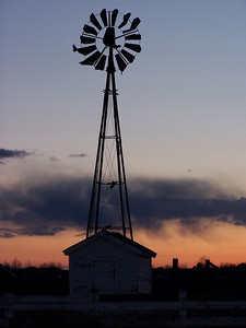 YP windmill against MT sunset 03, 3.08