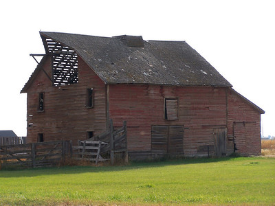 Red barn south of Idaho Falls, Idaho. 9.08