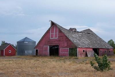 Faded red barn south of Idaho Falls, Idaho. 9.08