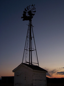 YP windmill against MT sunset 05, 03.08