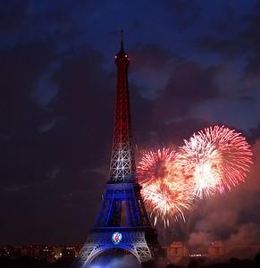 Bastille Day 2005- Paris fireworks