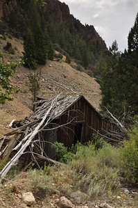 Old Building at Beardsley mine. Bayhorse, Idaho. Land of the Yankee Fork. 9.09