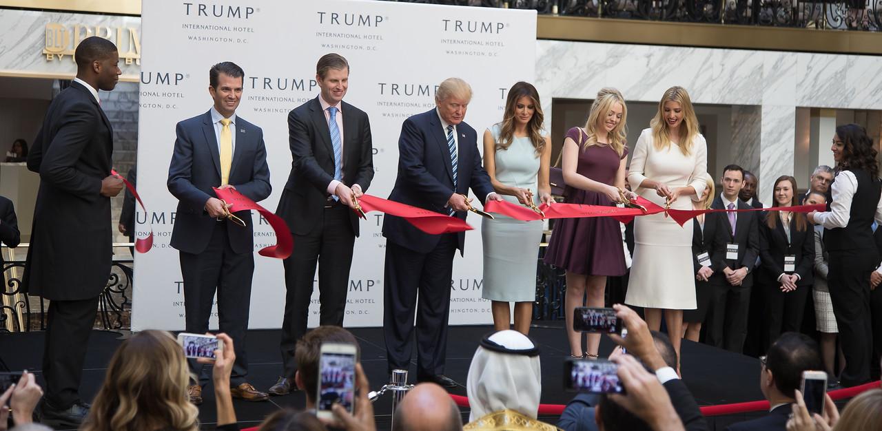 Donald Trump, Trump International Hotel