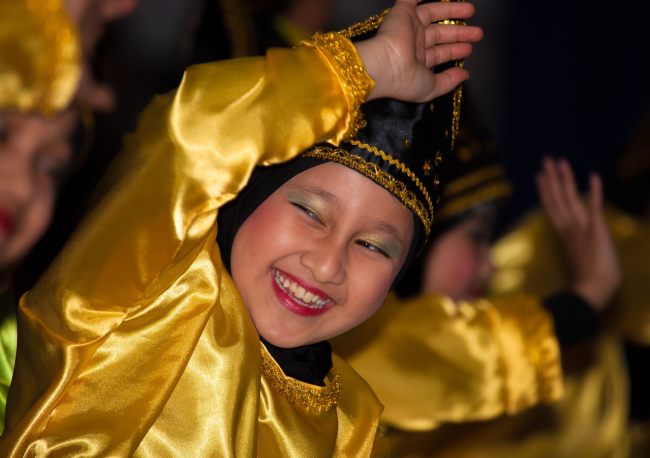 Indang Dance and the Plate Dance (West Sumatra, Indonesia) performed by Rumah Gadang Group USA at the International Children's Festival at the Ronald Reagan Building and International Trade Center on Sunday May 6.
