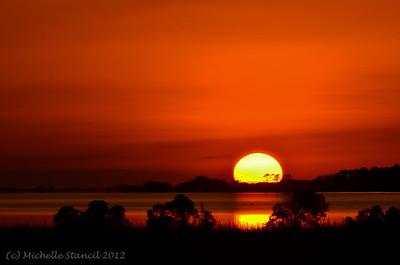 20121018 Lagoon sun_moon sunset-1-2