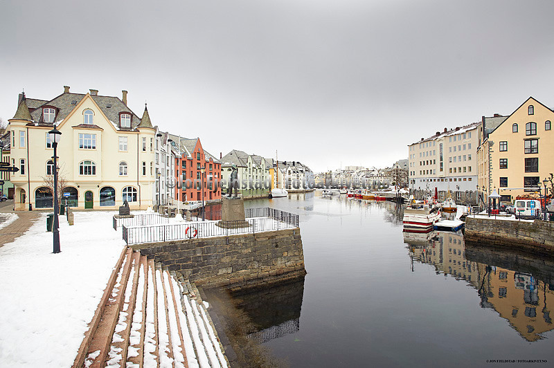 ÅLESUND-MØREOGROMSDAL