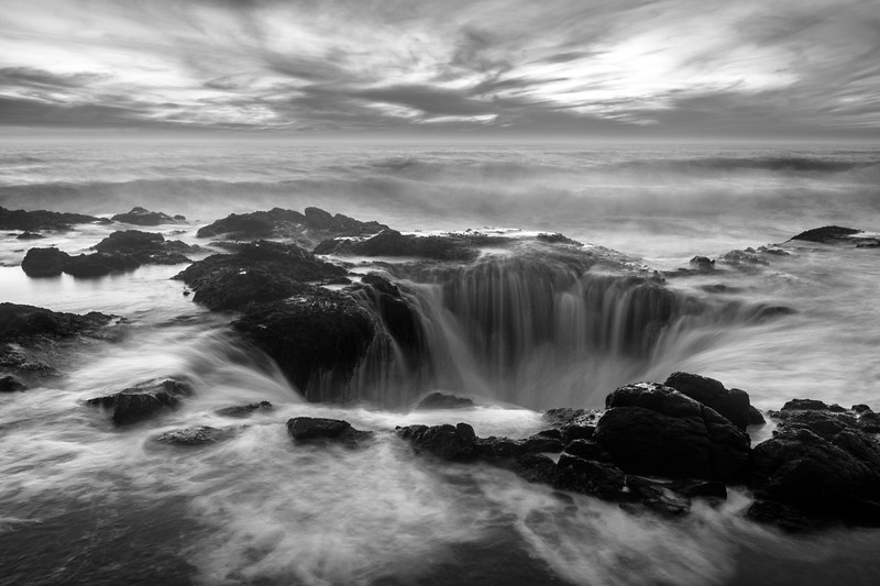 Thor's Well - Black & White