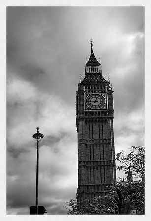 Elizabeth Tower with the great bell nicknamed Big Ben.