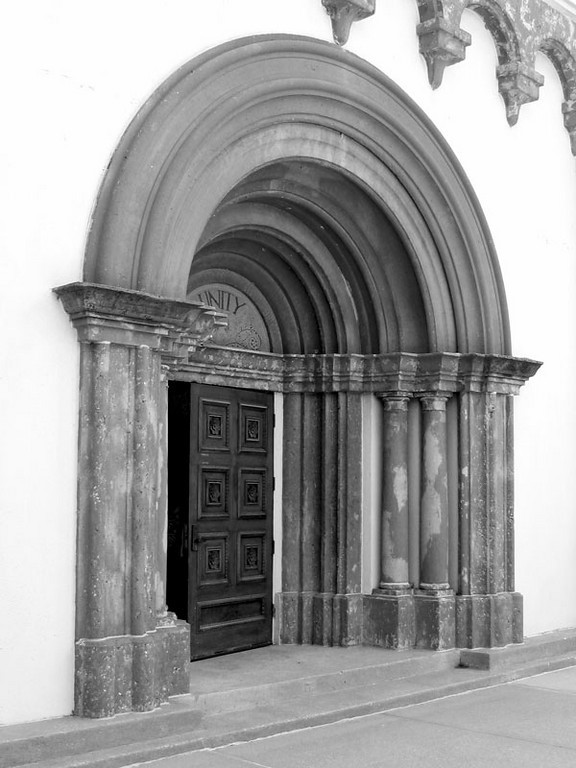 Unity Village - I thought this doorway was interesting<br /> and was snapping the shutter when the door began to open.
