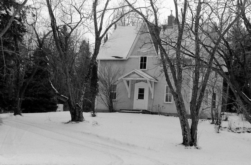 Took this photo a few days after the previous post of this house but this time I used Ilford HP5+, and a Minolta Maxxum 7 with a Sigma 28-300mm lens. This negative was  developed using Kodak D76 for 7.5 minutes at 20C.
