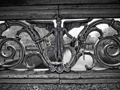 Lovers Locks over the Spree, Berlin  IR