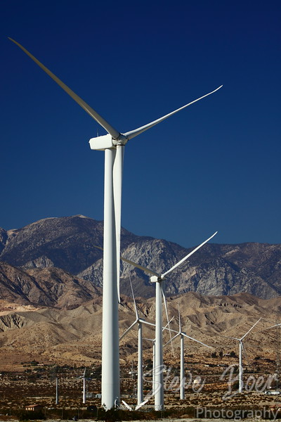 Wind power generators in Palm Springs