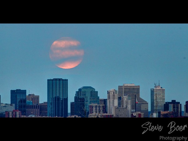 Edmonton skyline full moon hdr