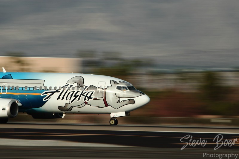 Alaska Airlines flight arriving at Palm Springs airport