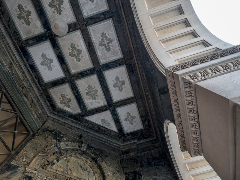BLM-courthouse entry ceiling