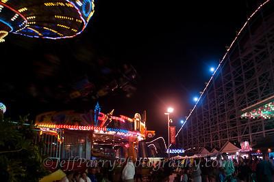 Sea Swings Rock & Roll Giant Dipper night scene-4-4
