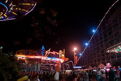 Sea Swings Rock & Roll Giant Dipper night scene-2-2