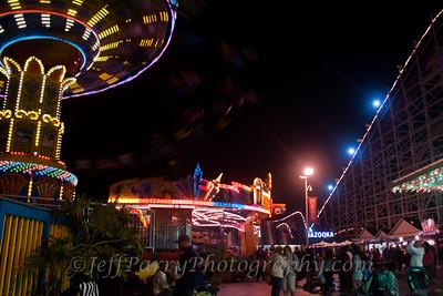 Sea Swings Rock & Roll Giant Dipper night scene-8-8