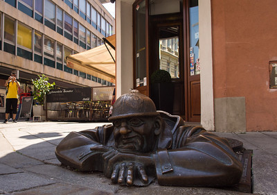 Chumel, another quirky statue, Bratislava