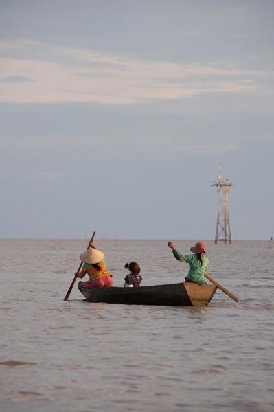 Evening Commute<br /> Floating village, Lake Tonle Sap, Cambodia