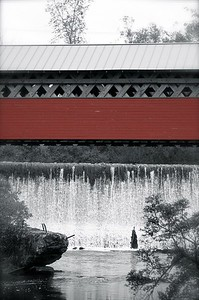 covered bridge b and w red