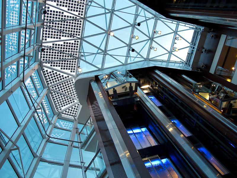 Central elevator atrium